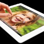 iPad_wRet_Pinch_Wht_Photo_P